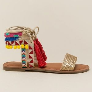 Indigo Rd Doe Pom Pom Tassel Sandal